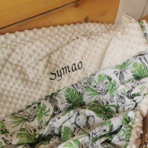 Couverture de lit bébé – Minky & coton – Brodée au prénom
