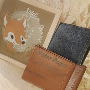Porte monnaie en cuir gravé